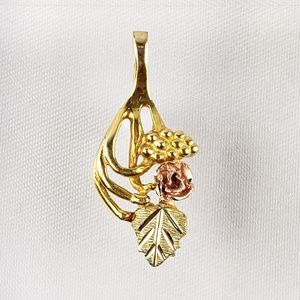 Jewelry - 10kt Gold Pendant Black Hills Rose Yellow Gold